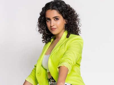 Exclusive! Sanya celebrates Holi in Bhopal
