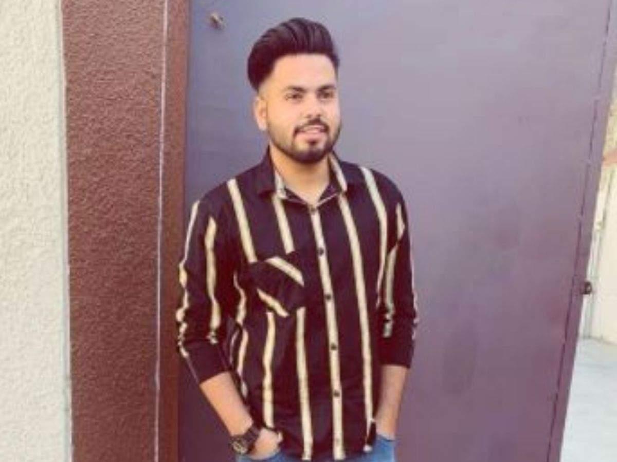 Diljan death: Punjabi singer Diljan dies in road mishap near Amritsar |  Amritsar News - Times of India