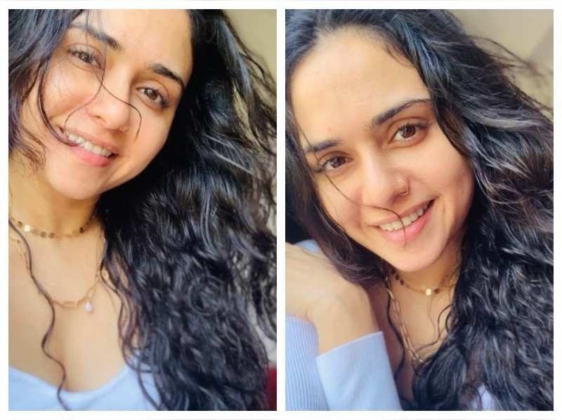 Fans just can't stop gushing over Amruta Khanvilkar's latest pictures; take a look