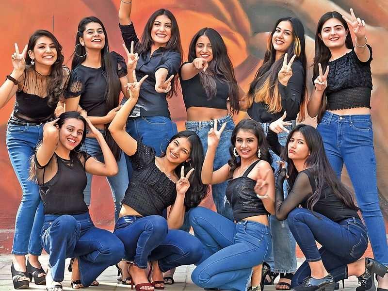 (Standing, L-R) Khushi Mishra, Ishita Bhatia, Prakruti Sharma, Riti Soni, Prisha Dhatwalia, Yasmin Salaria; (Sitting, L-R) Nishtha Kumar, Parinita Rastogi, Nency Tushir and Anchal Singh