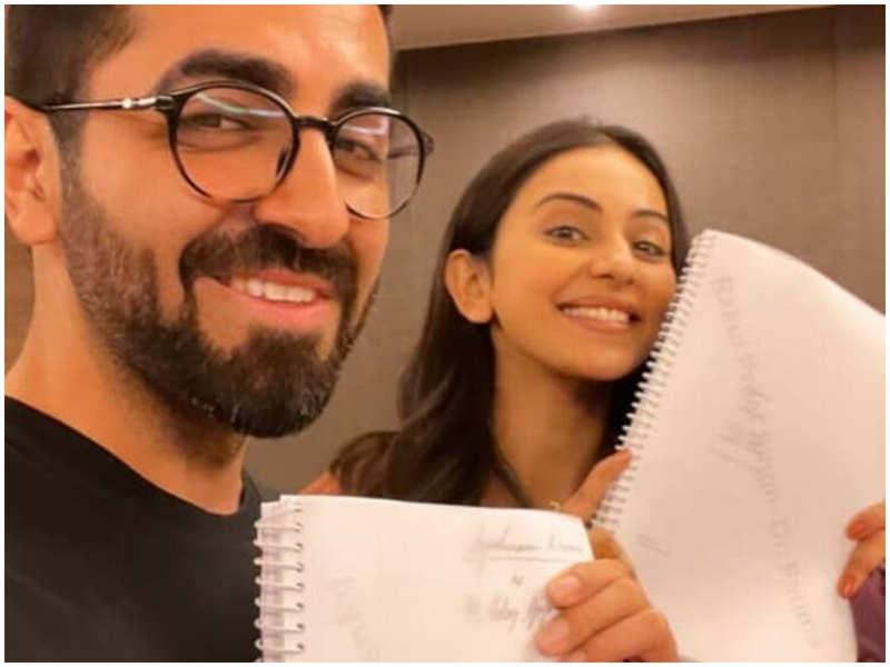 Ayushmann Khurrana and Rakul Preet Singh begin the script reading session for 'Doctor G'