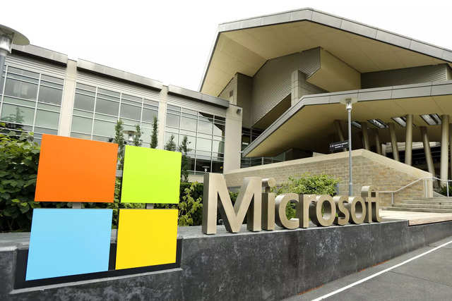 From the sea to a liquid bath: Why Microsoft is drowning its servers