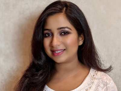 Shreya Ghoshal shows off her pregnancy glow