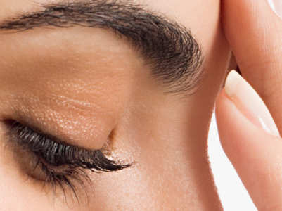 How to clean dark corners of the nose