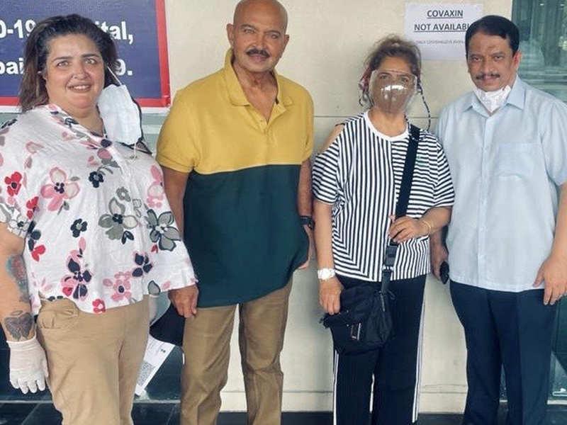 Hrithik Roshan's sister Sunaina and parents Rakesh-Pinkie Roshan take the second dose of COVID-19 vaccine