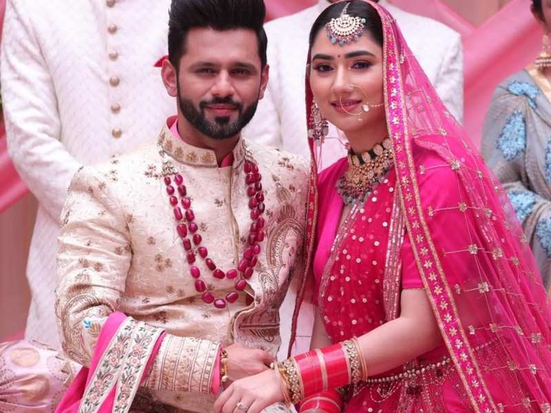 New beginnings for Bigg Boss 14's Rahul Vaidya and girlfriend Disha Parmar; couple shares first romantic still from their song
