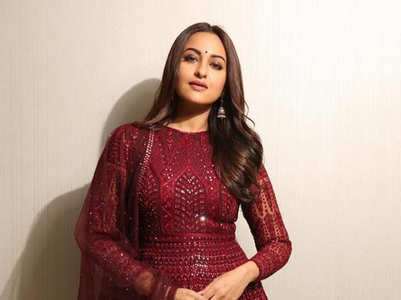Sonakshi Sinha's girl-next-door kurta looks