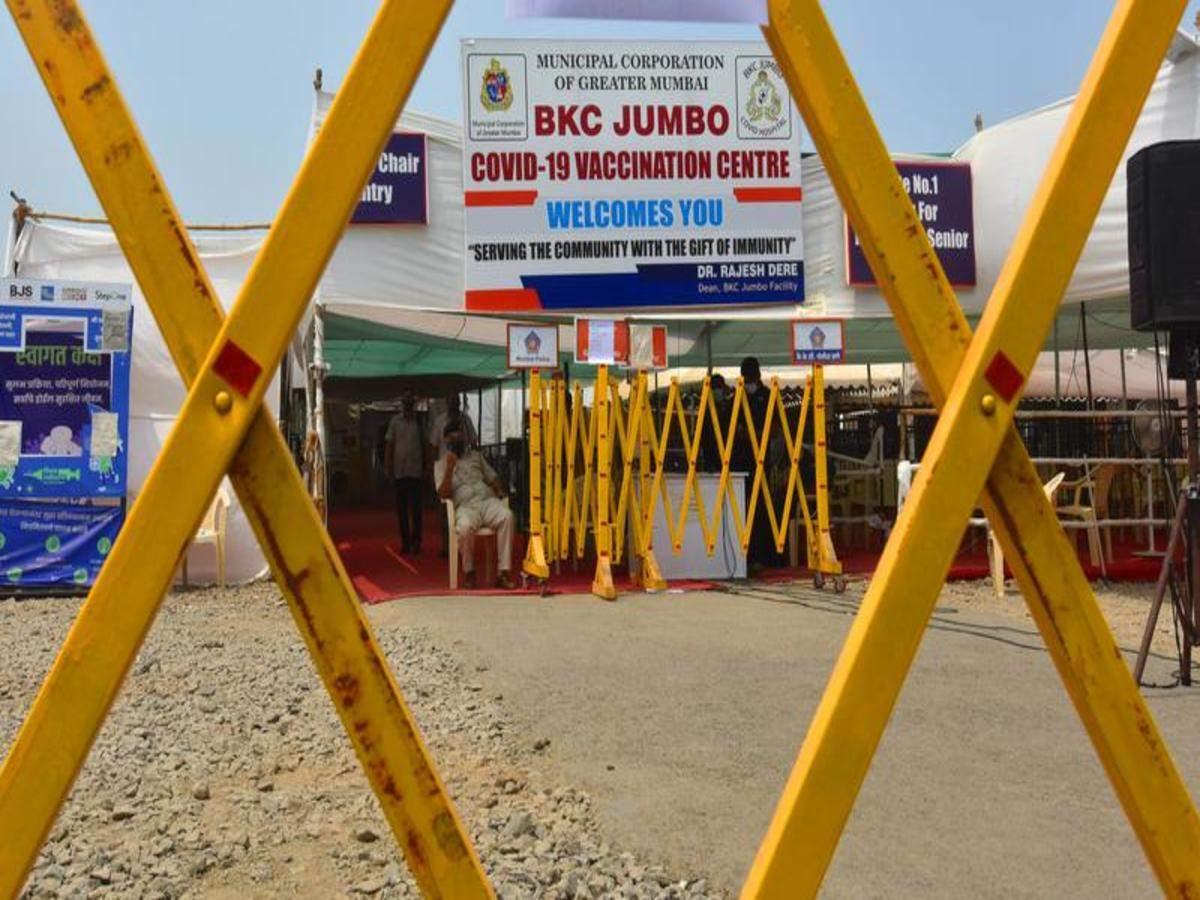 No jabs at city's pvt booths till Mon as vax shortage shuts 70% centres | Mumbai News - Times of India