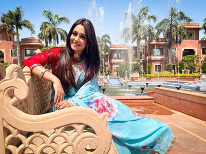 Dipika Kakar shares a picture in Simar's avatar