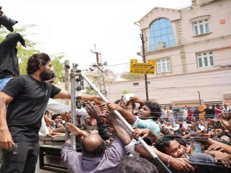 Case filed on Allu Arjun's fans for creating a ruckus on his birthday