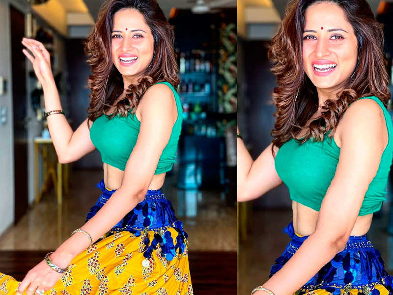 Watch: Sargun Mehta tries belly dancing, and we just can't get enough of it