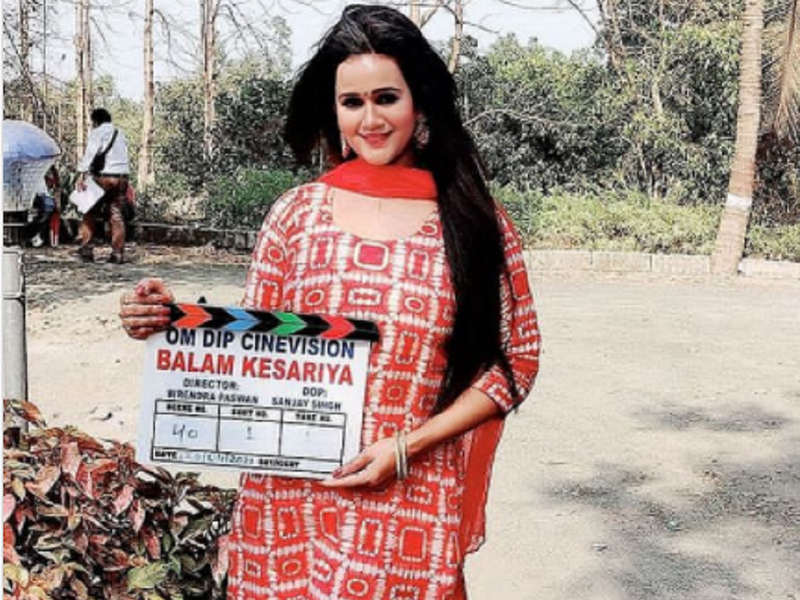 Gunjan Pant starts shooting for 'Balam Kesariya'