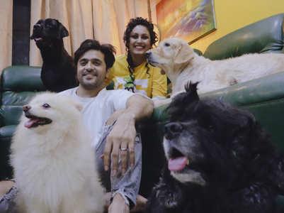 Ashish & Archana's 2 BHK & 4 dogs