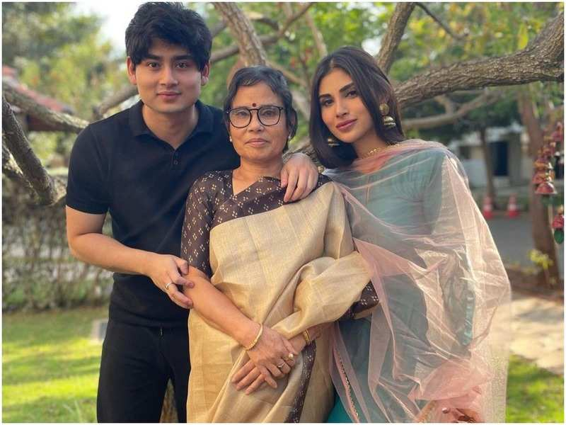 Mouni Roy with her family