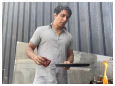 Watch: Sonu Sood shares tips on how to make perfect dosa at home