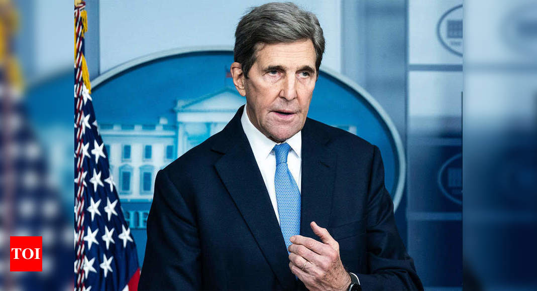 US' John Kerry in China for talks ahead of climate summit