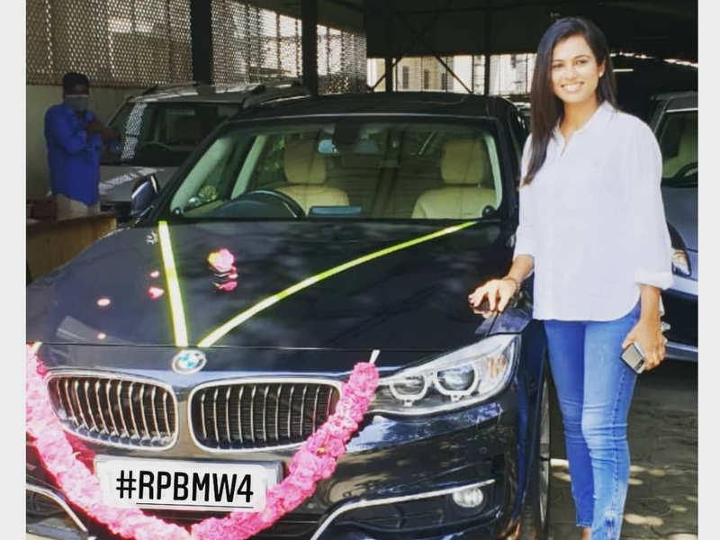 Ramya Pandian buys a luxury car