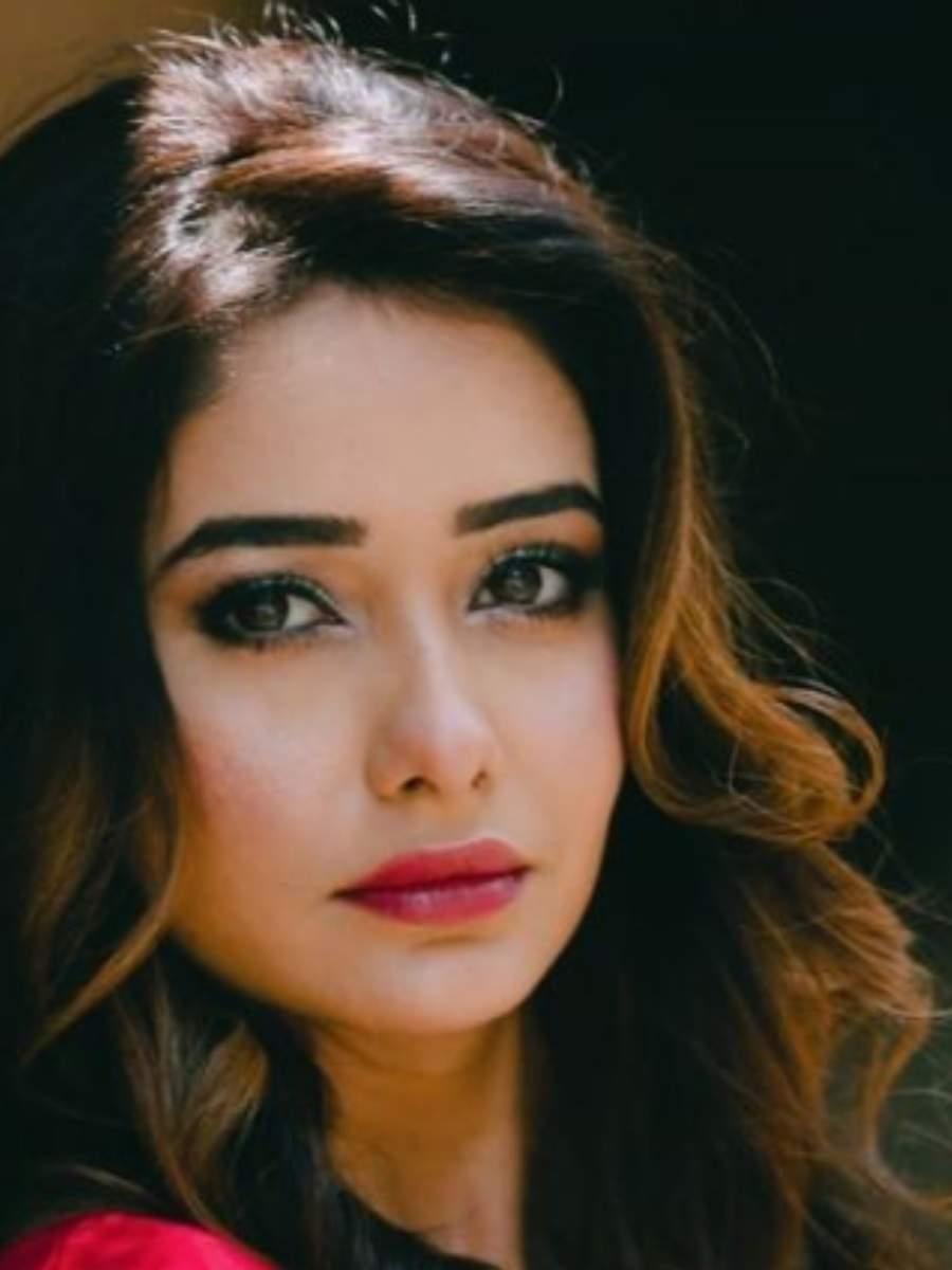 Leena Jumani dazzling avatars