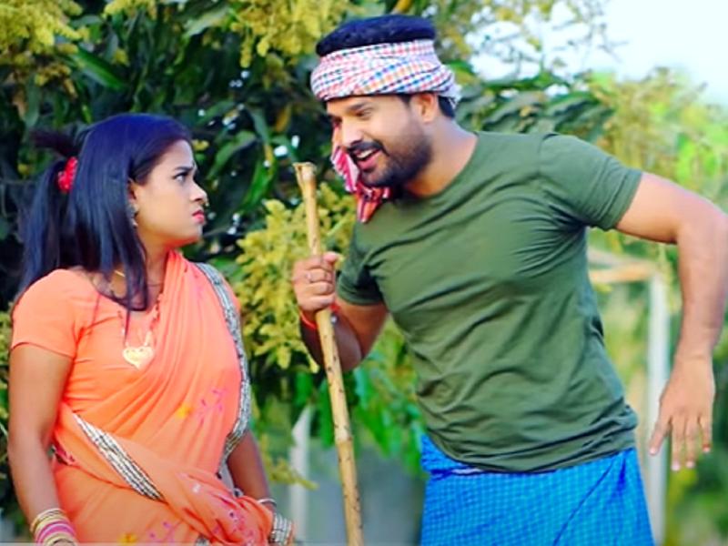 'Jhulaniya Udhar Ba': Ritesh Pandey releases a new song
