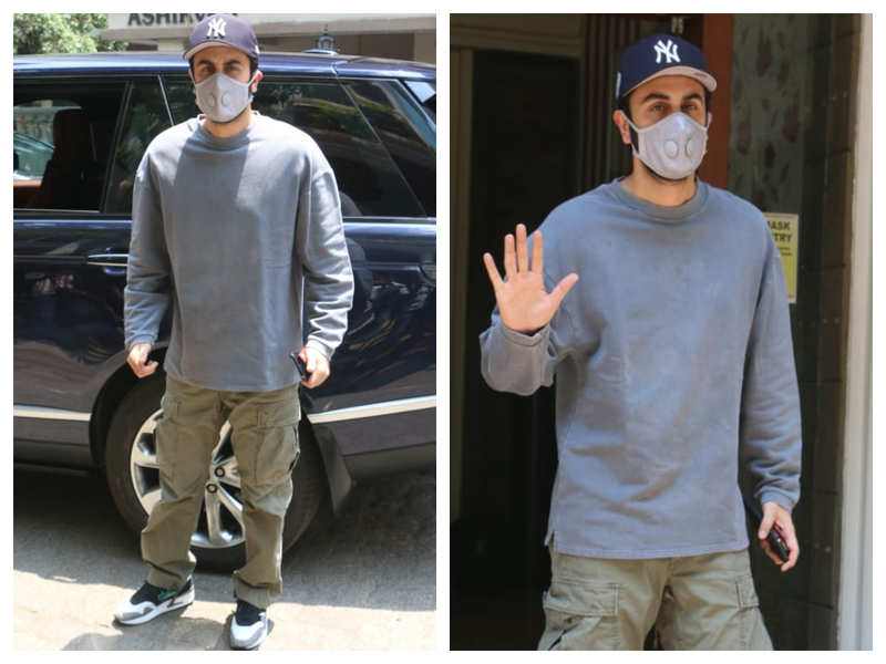 Photos: Ranbir Kapoor keeps it cool and casual as he gets snapped outside a clinic in the city