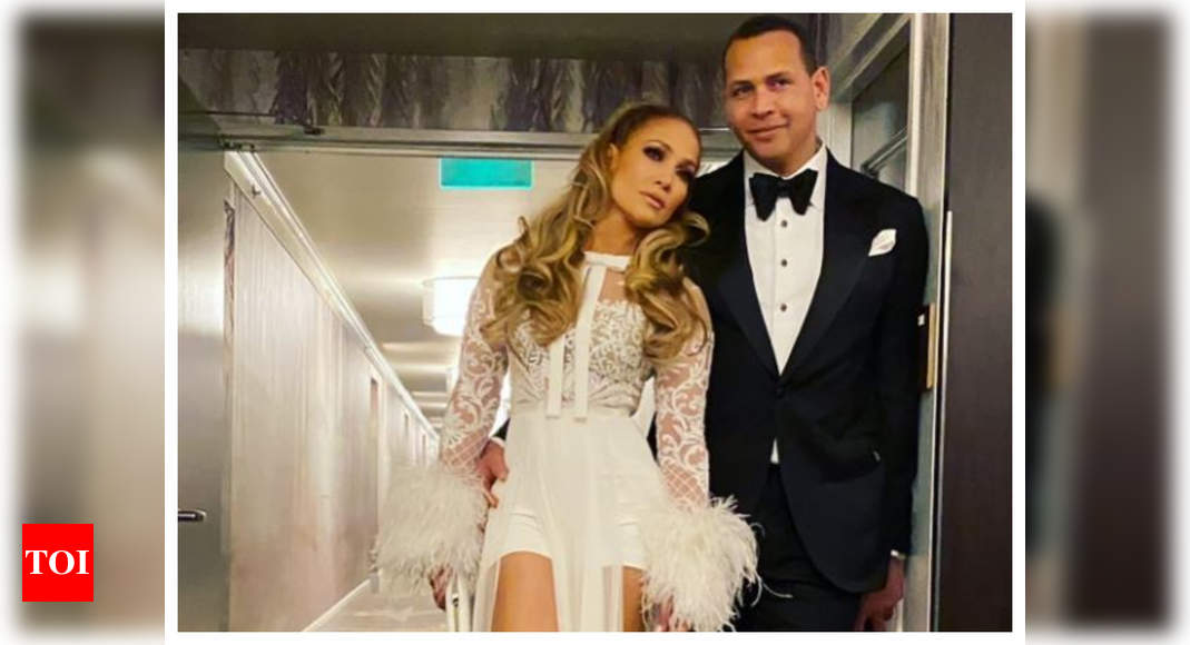 """Jennifer Lopez and Alex Rodriguez end engagement, say """"we are better as friends"""" – Times of India"""