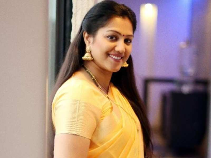 'Sundhara Travels' actress Radha files a police complaint against her husband
