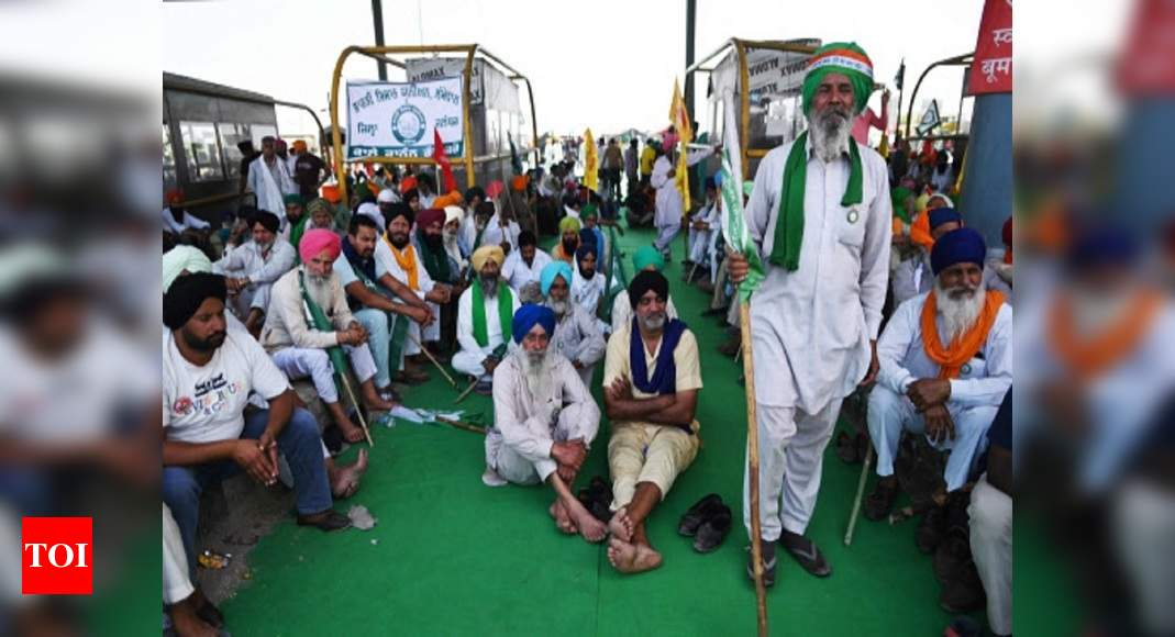 Government should start vaccination centres at protest sites: Farmers' union