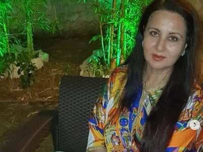 Poonam Dhillon starts her bday celebration