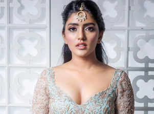 Happy Birthday Eesha Rebba: 10 Style Statements by the Actress That Took Our Breath Away