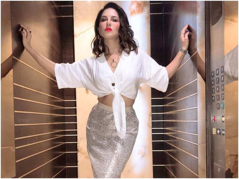 Sunny Leone lands in Kerala to shoot her forthcoming Malayalam film; Deets inside!