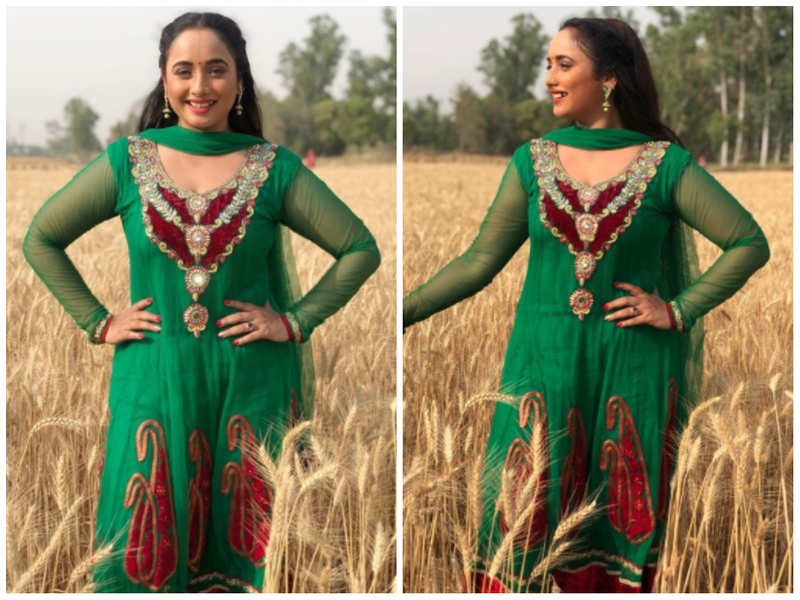 Rani Chatterjee shares a beautiful look from the film 'Babul Ki Galiya'