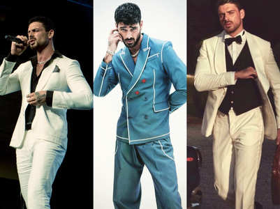 5 times Michele Morrone got us swooning in suits