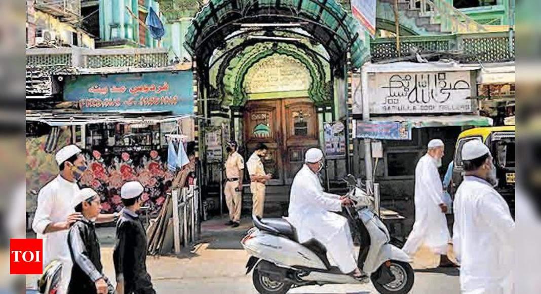 Mosques offer free oxygen cylinders in Mumbai Metropolitan Region | Mumbai  News - Times of India