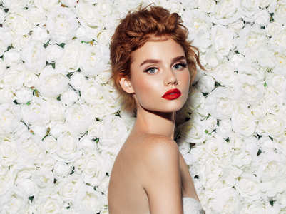 Top make-up trends with a hint of sparkle this summer