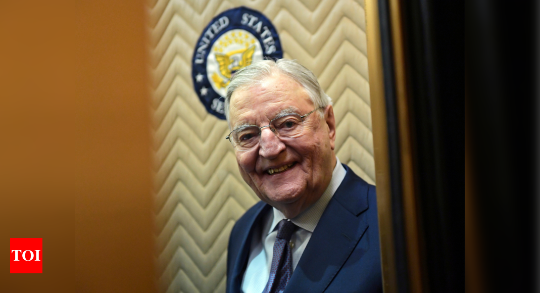 In death, long after loss, Walter Mondale's liberal legacy stands