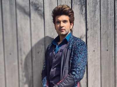 Yeh Rishta actor Karan Kundrra's quirky style