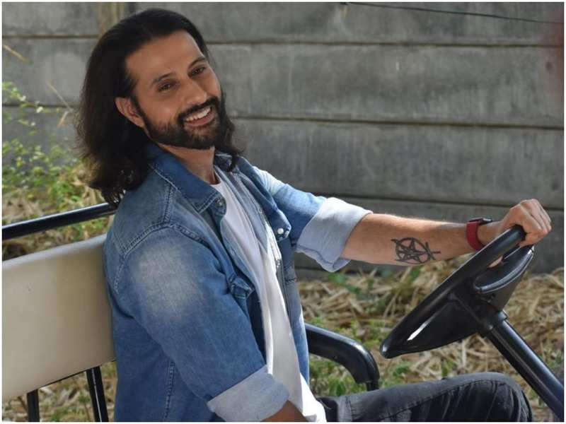 Apurva Agnihotri shared an exclusive picture from the first day of shoot from the show Anupamaa (BCCL)