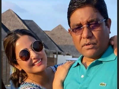 Hina arrives in Mumbai after father's demise