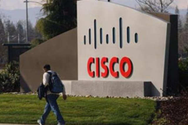 Cisco Systems Inc named Juniper Networks Inc executive David Yen to lead its server access and virtualization technology group, the latest change in a shakeup of the networking-equipment maker that began last month.