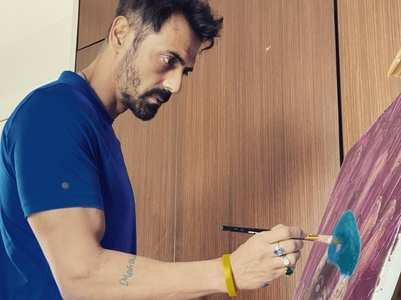 PIC: Arjun paints in isolation. fans react