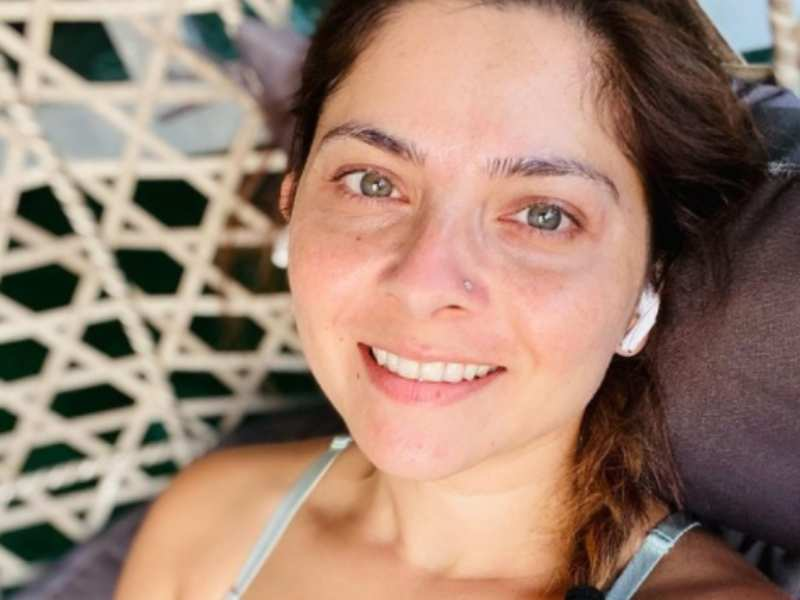 Sonalee Kulkarni flaunts her post-workout glow in her latest selfie; take a look