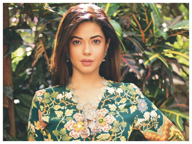 Exclusive interview! Meera Chopra: Being related to a superstar doesn't work anymore in our industry