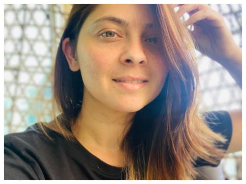 Sonalee Kulkarni sprinkles 'some golden light' with her latest no-makeup selfie; take a look