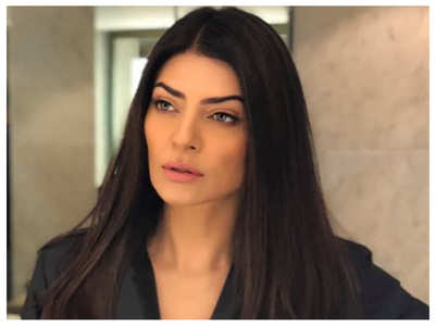 Sushmita Sen gives it back to a troll