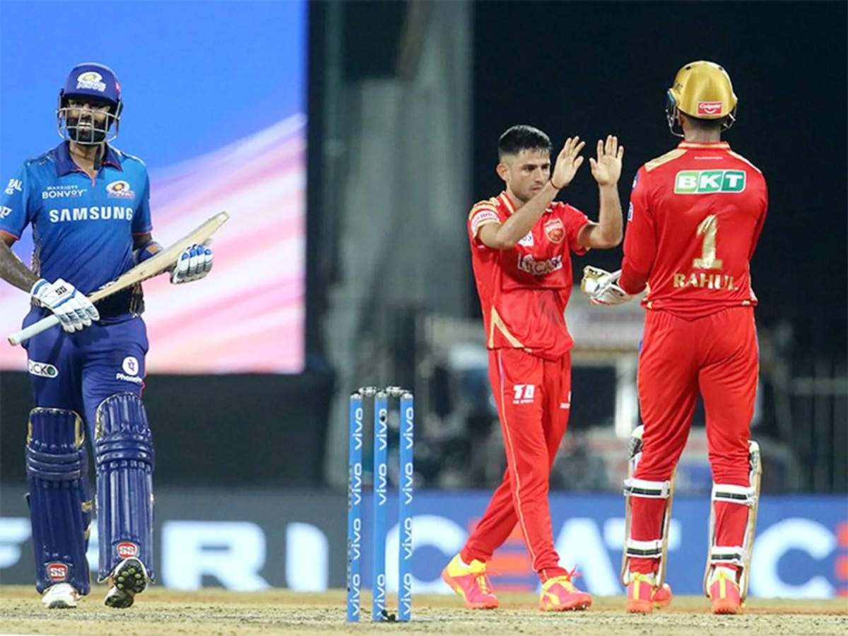 IPL 2021: Punjab Kings restrict Mumbai Indians to 131/6 despite Rohit half-century   Cricket News - Times of India