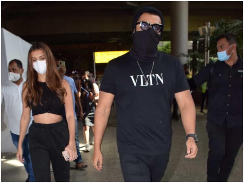 'Ek Villain Returns' stars Arjun Kapoor and Tara Sutaria get spotted at the airport