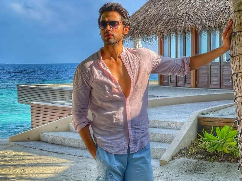 Parth Samthaan shares throwback photos from Maldives with a word of caution; asks fans to 'be home and stay safe'