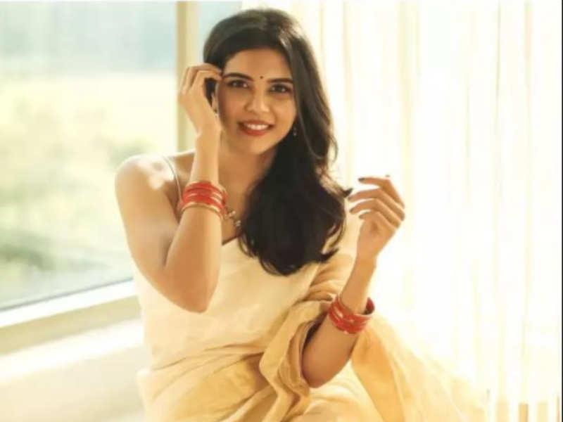 Kalyani Priyadarshan is in awe of a scene from Maanaadu