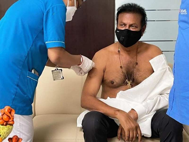 Mohan Babu gets the second dose of Covid-19 vaccination