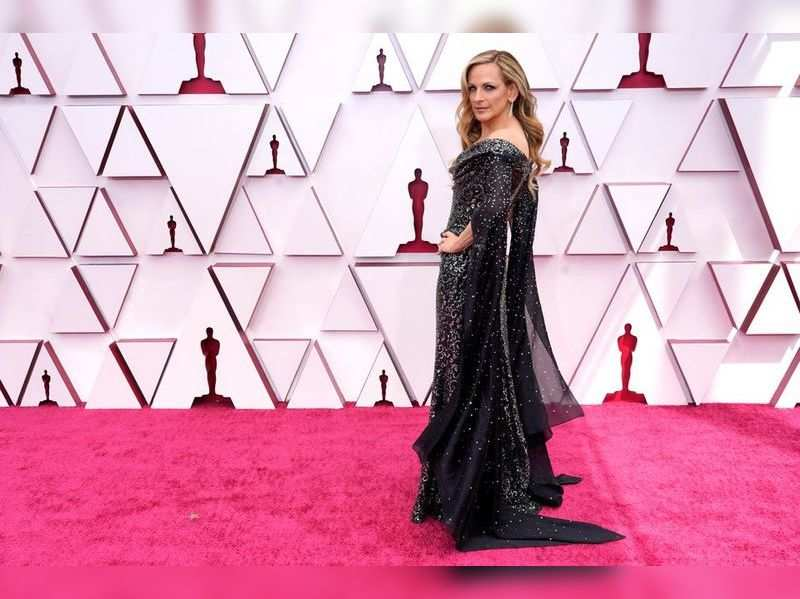 Red carpet makes a comeback at Oscars